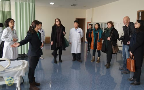 Посещение больничных палат