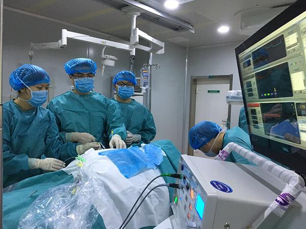 Манипуляция проводится под постоянным контролем состояния пациента